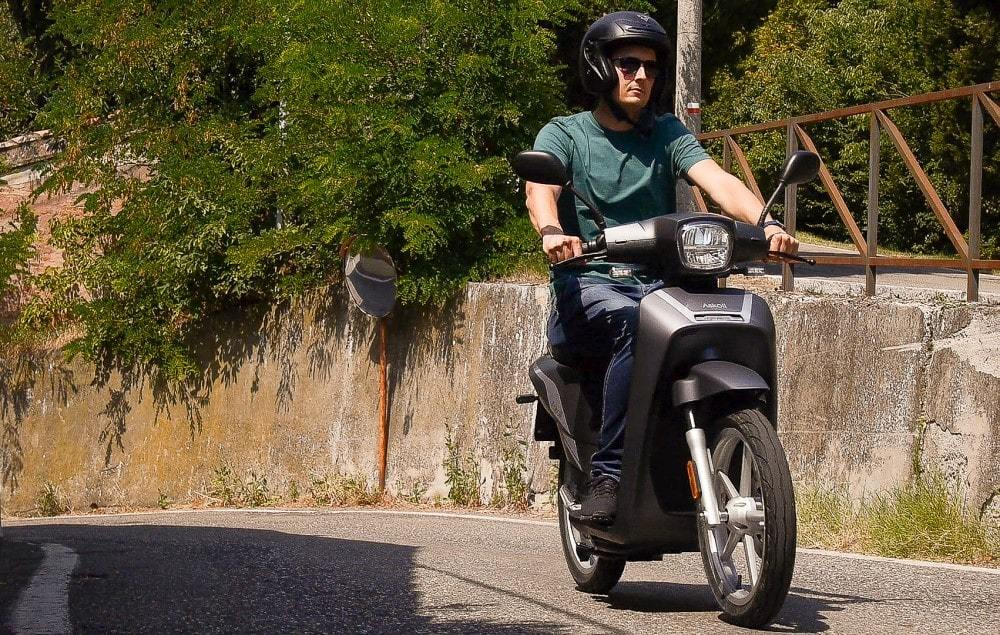 scooter électrique askoll ngs