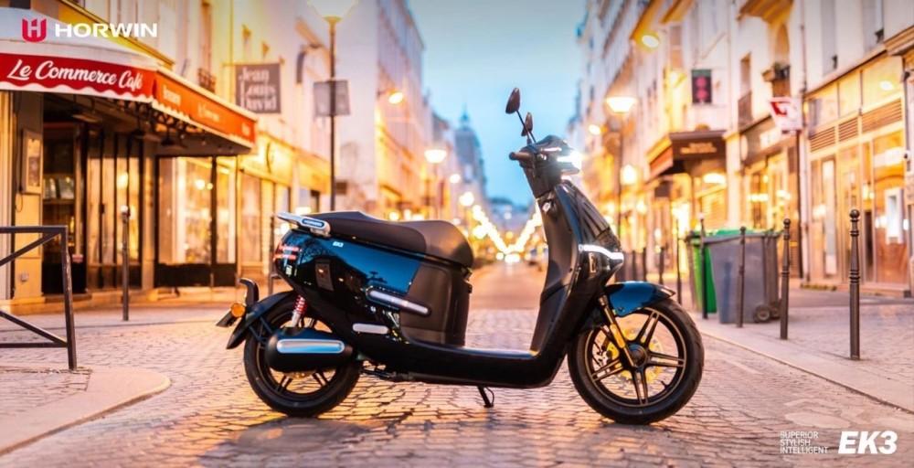 scooter électrique 125cm3 horwin ek3 noir paris