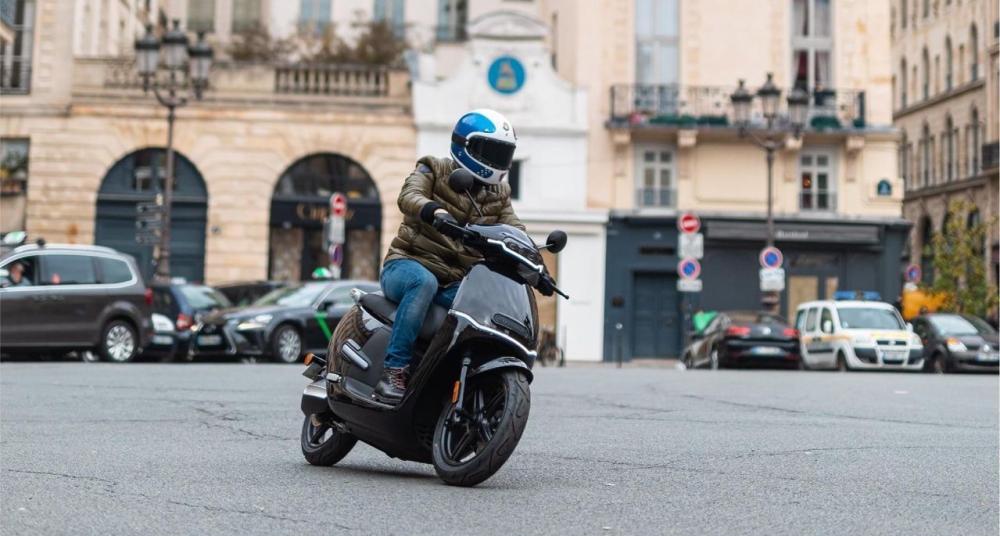 scooter électrique horwin ek3 noir paris 125cm3