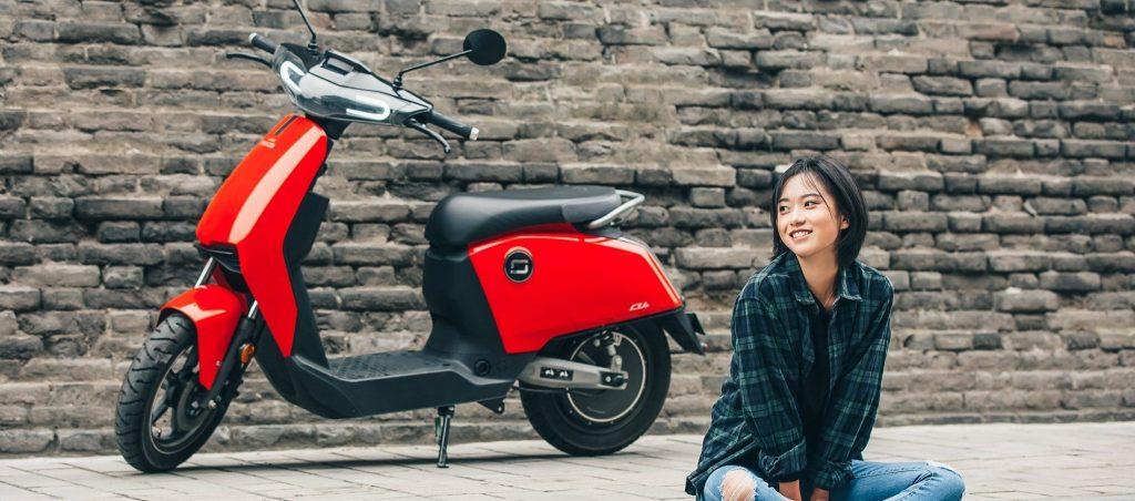 scooter électrique super soco cu-x rouge